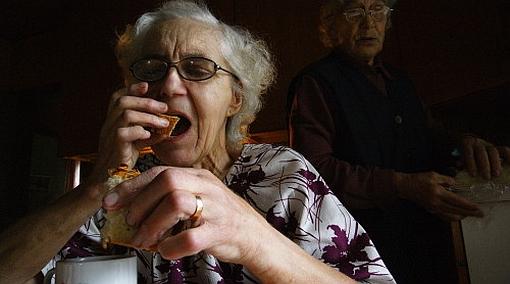 Cómo prevenir y detectar la desnutrición en los adultos mayores