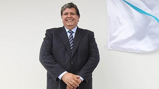 Presidente García inauguró en Ica hospital que no tiene agua ni equipos