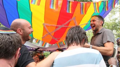 Cientos de parejas gays se casaron hoy en Nueva York