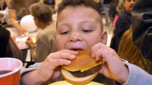 La comida rápida puede generar asma en niños y jóvenes, según un estudio