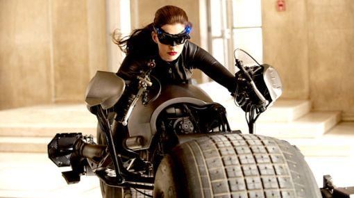 FOTO: conoce a la nueva Gatúbela interpretada por Anne Hathaway