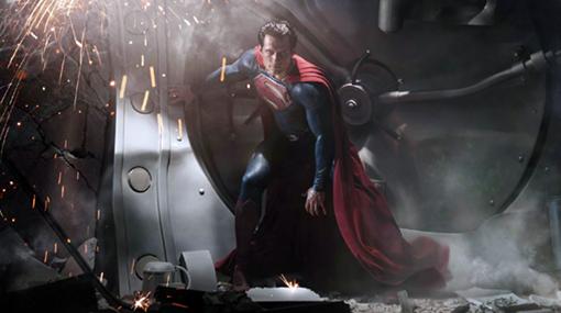 FOTO: Henry Cavill le da vida a la nueva versión de Superman