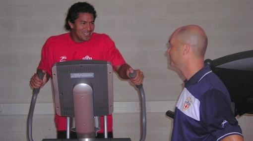 Santiago Acasiete llegó a España y ya entrena con el Almería