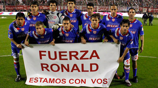 Unión de Santa Fe debutó con un mensaje de apoyo para Ronald Quinteros