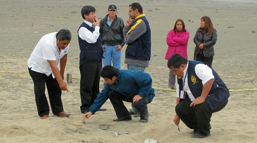 Exhuman restos de campesinos presuntamente asesinados por grupo Colina