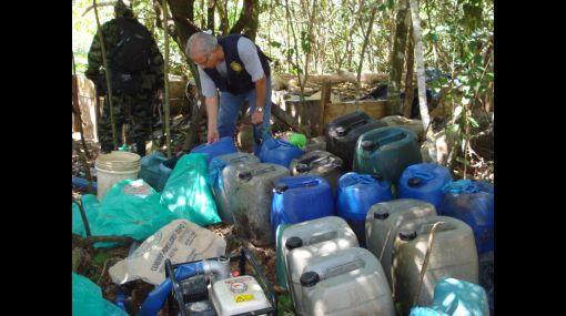 Huánuco: policía destruyó dos laboratorios clandestinos de PBC