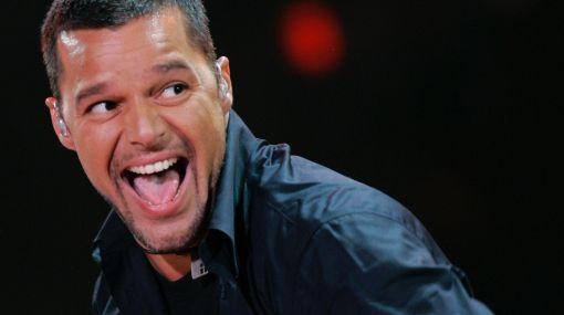 """Ricky Martin confesó que """"las mujeres lo quieren llevar a la cama"""""""