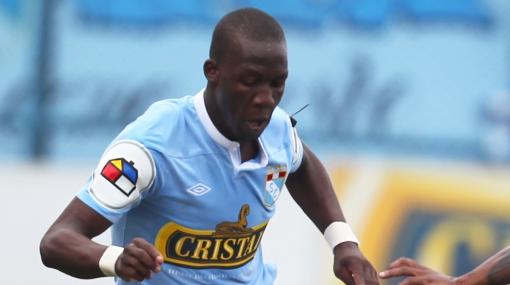 Luis Advíncula está a punto de ser fichado por club de la MLS