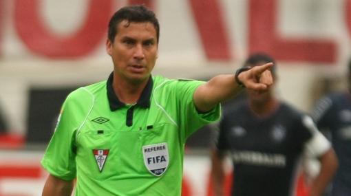 """Cristal tiene """"serias dudas"""" sobre el árbitro Henry Gambetta"""