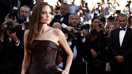 """Angelina Jolie: """"No hay boda secreta... no estoy embarazada"""""""