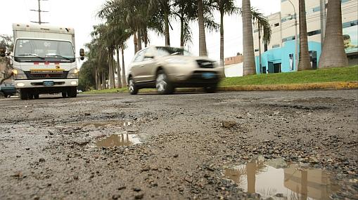 FOTOS: Los huecos en las pistas se multiplican en Lima