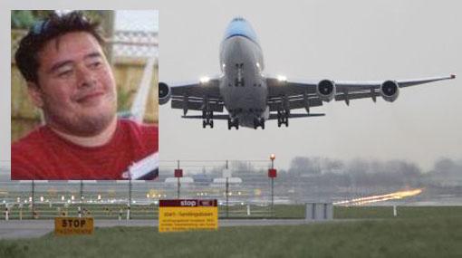 Mujer pasó nueve horas sentada junto a su novio muerto en un avión