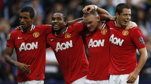 Rooney puso tres y 'Chicharito' completó la goleada 5-0 del Manchester
