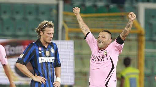 Un gol de Forlán no fue suficiente: Inter perdió 4-3 ante Palermo
