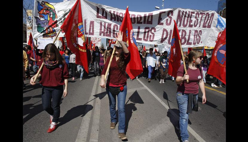 FOTOS: marchas contra Pinochet en Chile acabaron en enfrentamientos con la policía