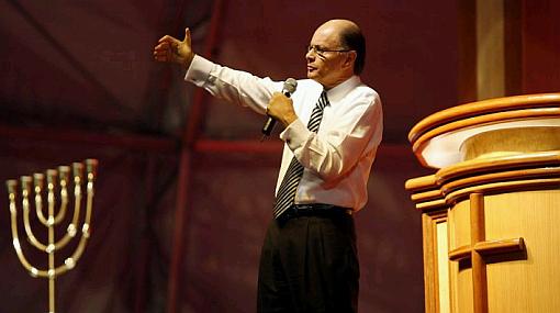 Líder de la iglesia Pare de sufrir fue denunciado por lavado de dinero