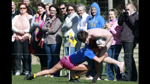 Al desnudo: juegan rugby tal como vinieron al mundo en Nueva Zelanda