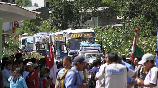 Paro cocalero en Ucayali: suspenden venta de pasajes por bloqueo de vía Federico Basadre