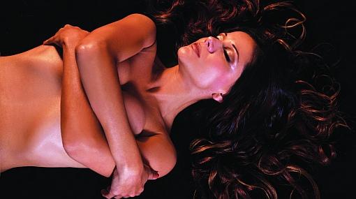 Mónica Sánchez se desnudó en osada sesión fotográfica