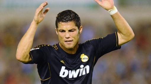 Real Madrid empató 0-0 ante Racing y encendió una alarma