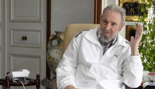 Fidel Castro acusa a EE.UU. de promover golpe contra Hugo Chávez