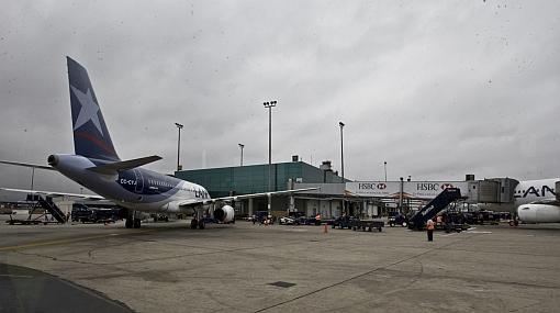 Incentivos para atraer aerolíneas del exterior se ampliarían hasta el 2012