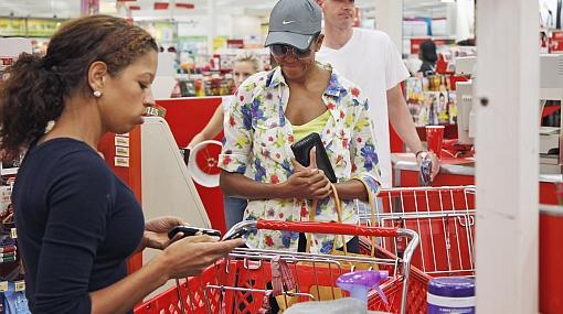Michelle Obama fue captada de incógnito haciendo compras en un supermercado