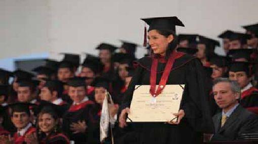 Proponen que la tesis sea único requisito para obtener título profesional