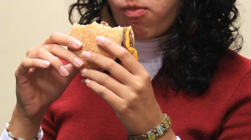 Consejos para no comer de más a causa del estrés