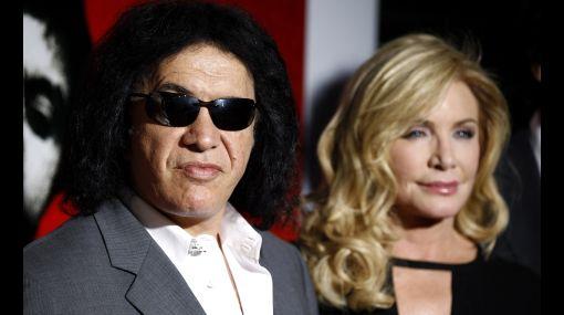 Más vale tarde: bajista de Kiss se casó tras 28 años de noviazgo
