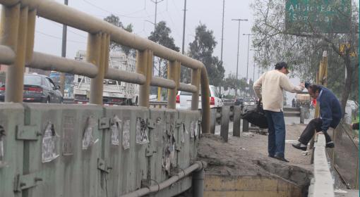 Puentes de Lima en abandono: albergan robos, basura y un verdadero caos