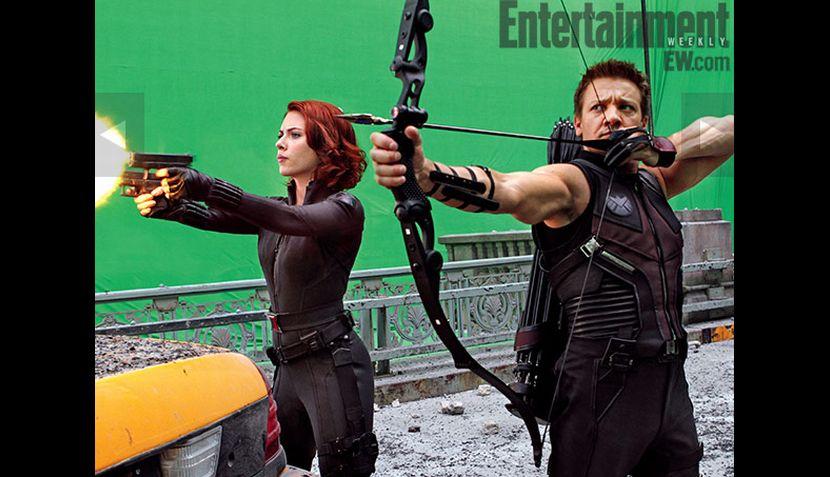 """FOTOS: Scarlett Johansson se luce en imágenes de """"Los Vengadores"""""""
