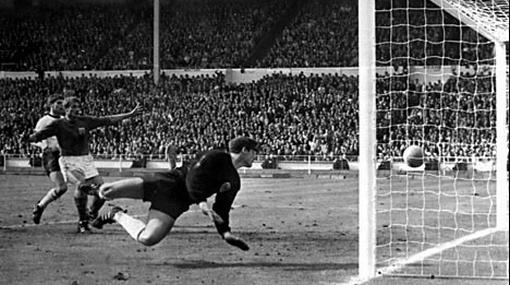 Jugadores de Alemania se doparon en Mundial de fútbol de Inglaterra 1966