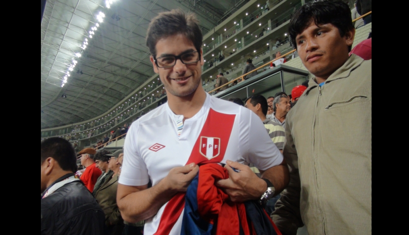 FOTOS: 'Platanazo' y 'Ricolás' estuvieron entre los famosos que alentaron a Perú en el Estadio Nacional