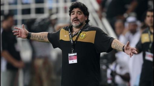Maradona pidió perdón luego de que su equipo fuera vapuleado por 5-0