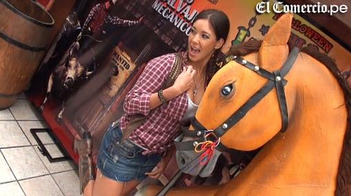 Tilsa Lozano celebrará su cumpleaños como una sexy vaquera