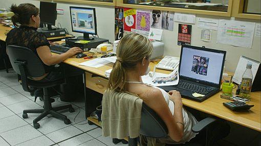 La mayoría de trabajadores formales aún labora bajo contratos temporales