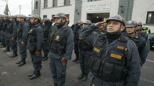 Disminuyen vacantes para los ascensos a generales de la PNP