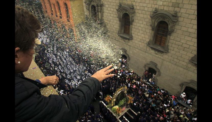 FOTOS: Lima se tiñó de morado y se llenó de fe con la procesión del Señor de los Milagros