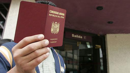 Piden creación de un seguro social para inmigrantes repatriados