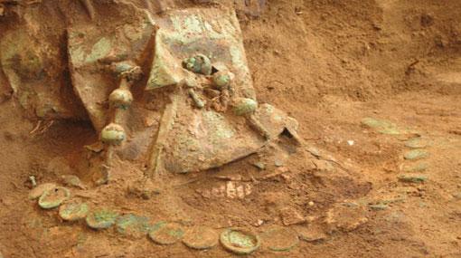 Hallan tumba de un dignatario de la cultura Lambayeque