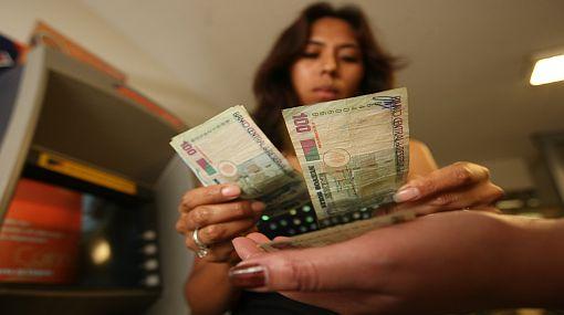 Los peruanos están más dispuestos a ahorrar debido a crisis internacional