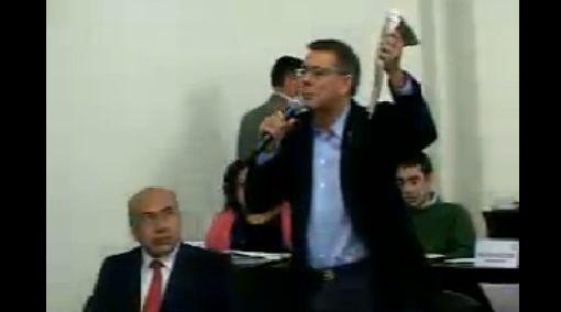 Salinas tuvo altercado en sesión del Concejo Municipal sobre incendio en La Cochera