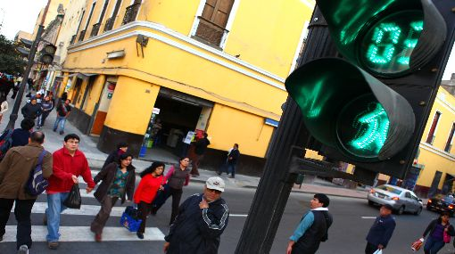 Cortocircuito afectó semáforos en 29 intersecciones del Centro de Lima