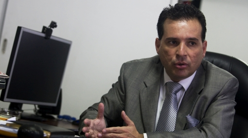 Comunicado de Chehade no tiene valor jurídico para constitucionalistas