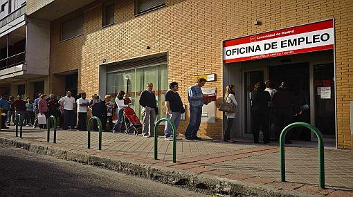 Desempleo alcanza a casi 5 millones de personas en España