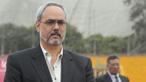 """Burga advierte que regreso de San Martín no depende de él, sino de """"instancias"""""""