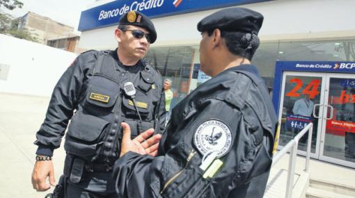 La Policía Nacional volverá a resguardar bancos en Lima