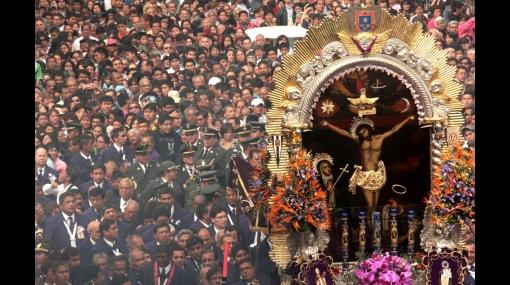 Miles de fieles dieron emotiva despedida al Señor de los Milagros