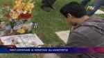 Tumba de Walter Oyarce fue visitada por hinchas de Alianza Lima - Noticias de luis vargas valdivia